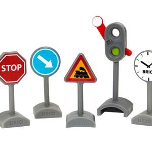 BRIO BRIO® World 33864 ? Traffic Sign Kit affic Sign Kit 3 - 8 years